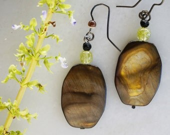 Beautiful Brown and Golden Mother of Pearl earrings