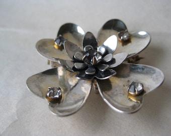 Shabby Flower Silver Brooch Rhinestone Pin Vintage Pendant