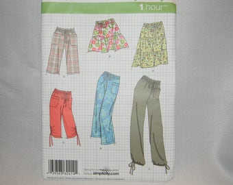 New Simplicity Pattern 2414 Size 16-24 Misses Pants, Shorts and Skirt