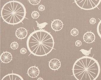 174657 grey birch organic fabric Birdie Spokes with wheels bird