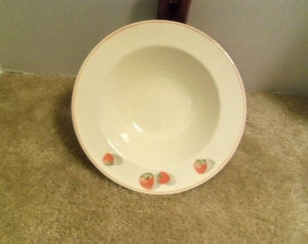 Vintage Cavitt-Shaw Division W.S. George 2944 Strawberry Bowl