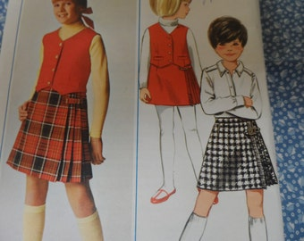 Butterick 4502 Girls Skirt Kilt, Vest  Pattern Size 10