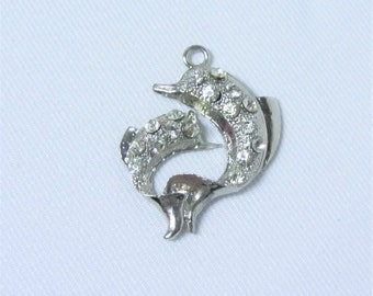 1 pc - Silver Dolphin Charm Pendant