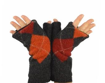 Fingerless Mitts in Grey Argyle - Grey Rust Orange - Recycled Wool - Fleece Lined