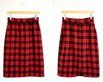Black and Red Plaid Deb Brand 90's Vintage Woman's Knee Length High Waist Retro Skirt