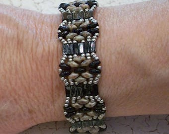 Gray, Black, and Silver Beaded Tila and Superduo Cuff Bracelet by Carol Wilson of Je t'adorn