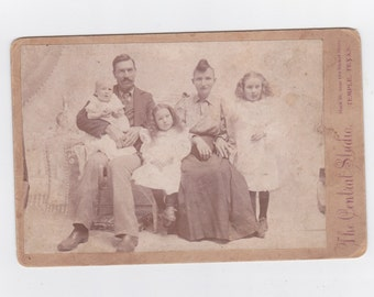 1800s vintage cabinet photo. of family taken in Temple Texas