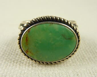 Size 6.25 Vintage Native American Sterling and Green Turquoise Ring
