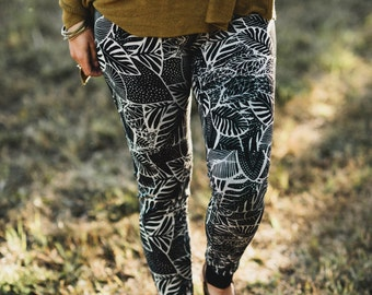 Palm Garden - botanical print, organic legging with hidden pocket, tropical yoga legging, made in the USA by Simka Sol