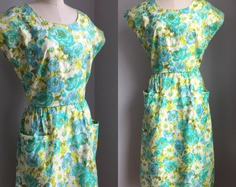 Vintage 1950s NOS Polished Cotton Cabbage Roses and Daisies Print Dress with Pockets Size Small Medium