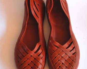 Traditional Rainforest Shoe - Red