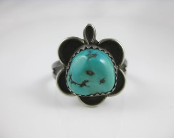 Size 7 3/4 Vintage Turquoise Sterling Silver Ring