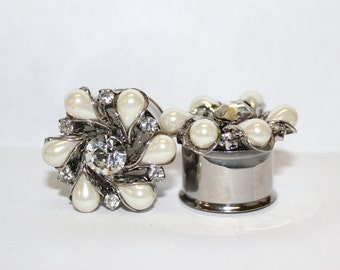 """Diamond and Pearl Flower Wedding Plugs 3/4"""" 19mm Double Flare"""