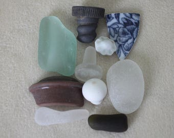 AWESOME BEACH FINDZ Wonderful collection of beach finds terrific collector piece and art pieces 356