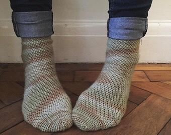 crochet pattern - Fallen Leaves Socks