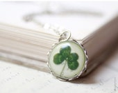 Four leaf clover necklace - St patrick leaf - Shamrock necklace - Saint patricks day - Green shamrock - Luck necklace (N036)