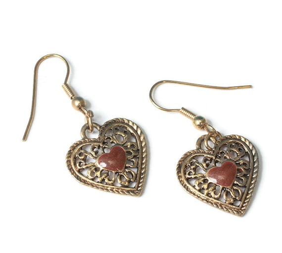 Filigree Heart Dangle Earrings Goldstone Center Gold Tone Earwires