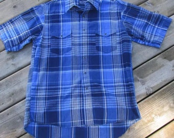 Vintage Wrangler western shirt mens M blue plaid short sleeve pearl snaps American classic