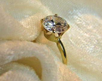 Beautiful Vintage 14K Gold Solitaire White Sapphire Wedding Ring,Engagement or Anniversary Ring