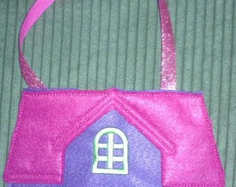 Portable Dollhouse For Felt Paper Dolls   Free Personalization