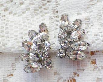 Lovely Vintage Clear Rhinestone Clip On Earrings, Rhinestones, Vintage Bride / Bridal / Wedding / Evening, Silver Tone Metal, Ice / Icy