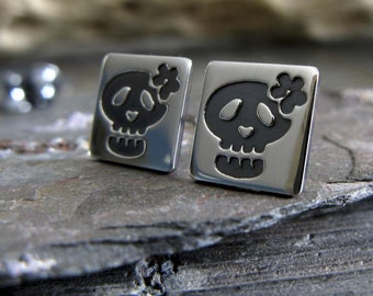 Sugar Skull earrings. Sterling Silver Day of the Dead studs. Dia de los Muertos jewelry. All Souls Day.  Flower Skull gift for women.