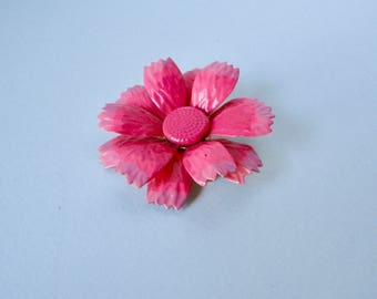 1960s Pink Enameled Flower Brooch/Pin