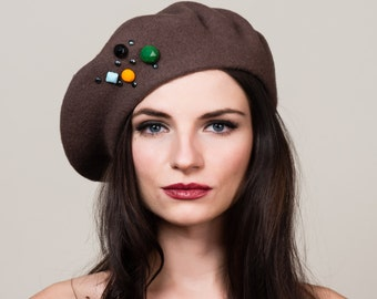 Dark Taupe Brown Beret in 100% Wool with Hand Beadwork Embellishment. French Style. Winter Hat.