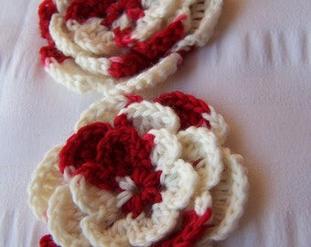 Crocheted flowers set of 2 appliques 2.5 inch flower motif white and red candy cane