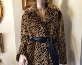 Vintage Faux Fur Leopard Plush Faux Leather Ladies Coat Jacket Size medium
