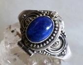Vintage Sterling silver Potion Ring with Cobalt Blue Lapis Lazuli gemstone Cabochon