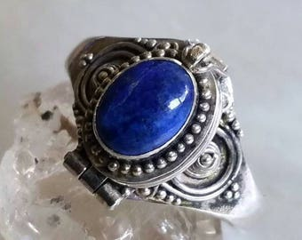 Vintage Sterling silver Potion Ring with Cobalt Blue Lapis Lazuli gemstone Cabochon