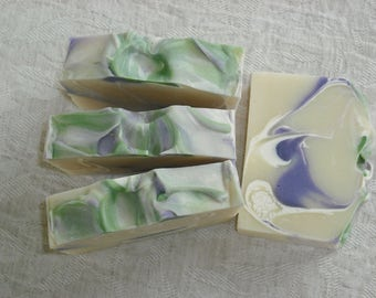 Lilac Soap / Spring Sweet Floral Soap / Feminine Soap / Cold Process Soap / Handmade Soap