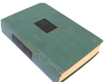 tom jones   ...    henry fielding  ...   vintage book   ...   the history of tom jones a foundling   ...   modern library  ...   1950
