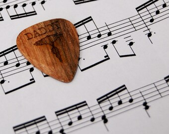 Personalised Guitar Plectrum / Pick ~ Daddy Sound wave ~ Father's day Gift ~ Wooden Pick / Plectrum ~ High Quality customised Pick ~