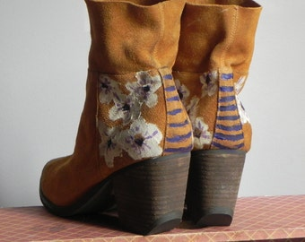 hand painted, floral boots, women's size 9, by Aldo