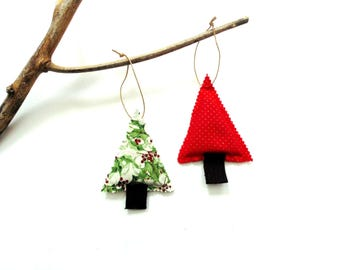 Christmas tree sachet set of two, red green cotton, organic Balsam pine cinnamon chips, teacher gift, scented holiday sachets gift under 10