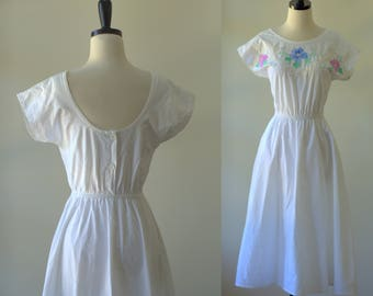 White Cotton Dress 1980s Midi Dress Floral Mid Length Dress Exposed Back 1980s Dresses 1980s Clothing Spring Dress Cotton Day Dress Small