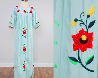 Vintage 70s Mexican mint cotton embroidered floral maxi dress / Embroidered tunic dress