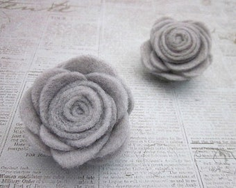 Grey Flower Pin -- Felt Flower Pin Accessory -- Felt Pin -- Felt Flower -- Grey Flower Clip -- Grey Brooch -- Grey Flower Brooch -- Grey Pin