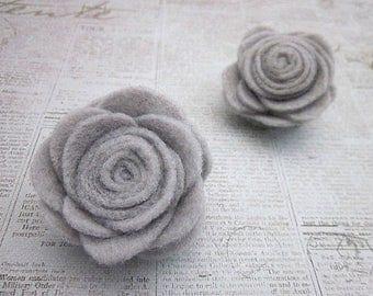 Grey Flower Pin -- Felt Flower Pin Accessory -- Felt Pin -- Felt Flower -- Grey Flower Clip -- Grey Brooch -- Grey Flower Brooch -- Grey Pin