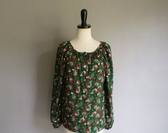 30% off// Vintage 70s GREEN FLORAL Paisley Tunic Blouse (s-m)