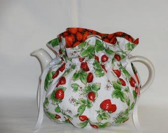 Pretty Strawberry Print Reversible  6 Cup Teapot Cozy