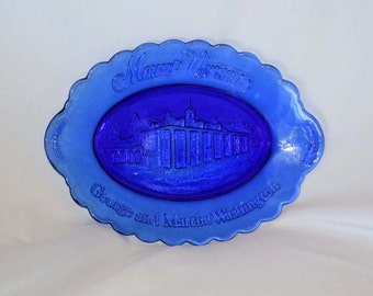 Vintage Mount Vernon George and Martha Washington Blue Oval Collector Plate