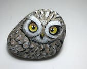 Painted owl rock - Painted stone - owl- Unique collectible rock art - Owl art - owl sculpture