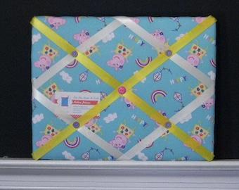 11 x 14 Nick Jr. Peppa Pig with Rainbows Memory Board
