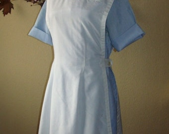 1960-70's 2 pc Red Cross Nurse Uniform with White Pinafore Apron Blue Belted Back Large-12 Short Sleeve Zip Front