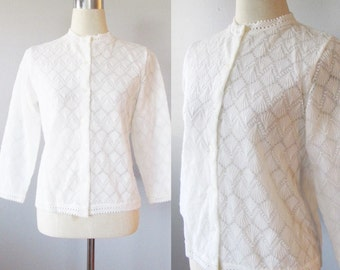 Vintage White Knit Cardigan Sweater / 1950's Acrylic Button Up Granny Sweater / Made in Japan Size Medium