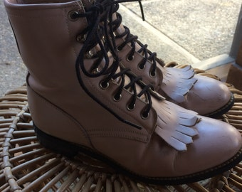 Vintage 70's 80's pale pink leather combat roper fringe boots by Justin size 6 ladies 4 mens