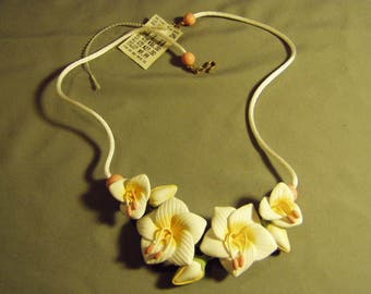 Vintage White Peach Rubberized Plastic Flowers on White Cord Necklace 9154
